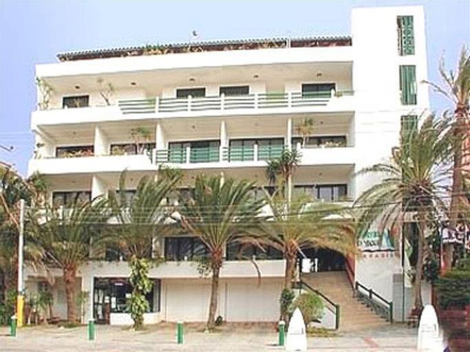 Yaque Paradise, Díaz
