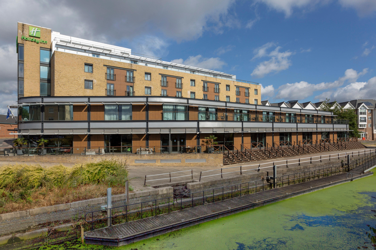 Holiday Inn Brentford Lock, London