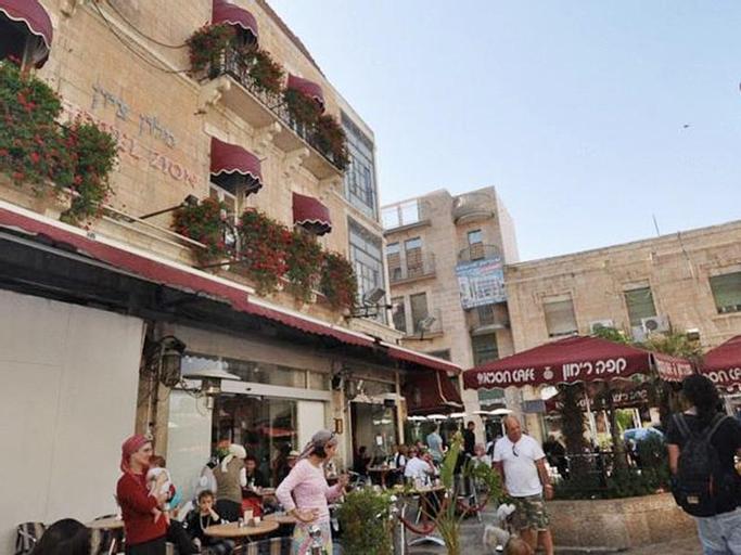 Zion Hotel,