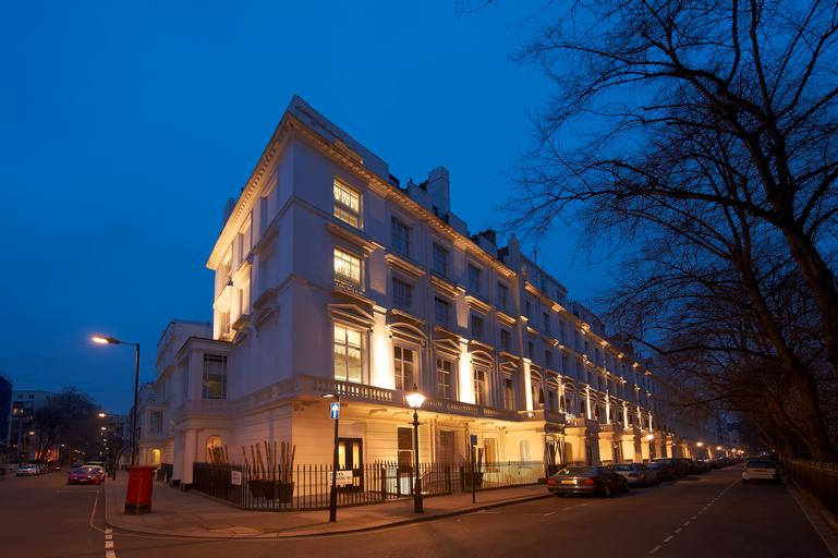 Caesar Hotel, London