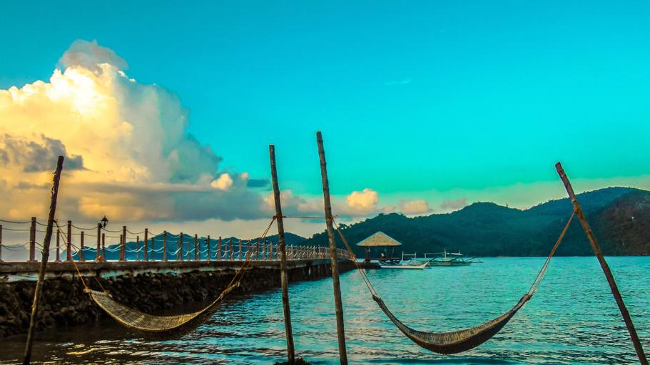 Pangulatan Beach Resort - Dormitory, Taytay