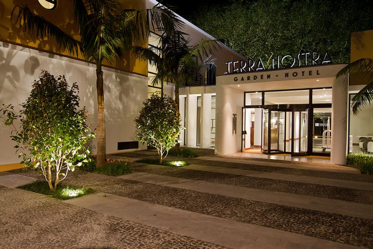 Terra Nostra Garden Hotel, Povoação