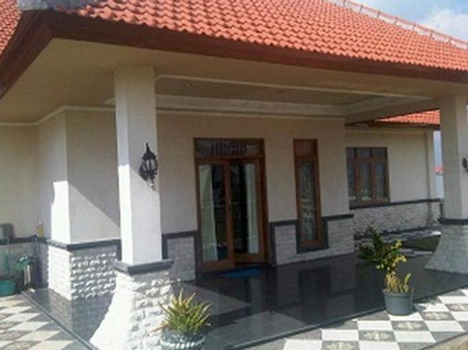 Nanamy Guest House Seminyak, Badung