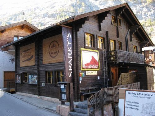 The Matterhorn Hostel Zermatt, Visp