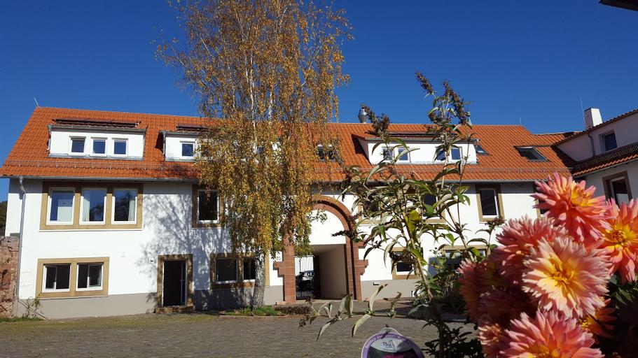 Well-Being Gästehaus Burghof Stauf, Donnersbergkreis