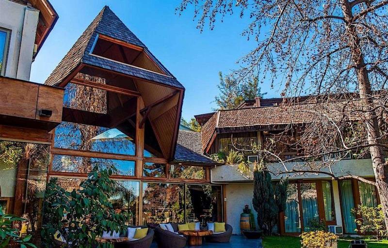 Hotel Manquehue, Cordillera