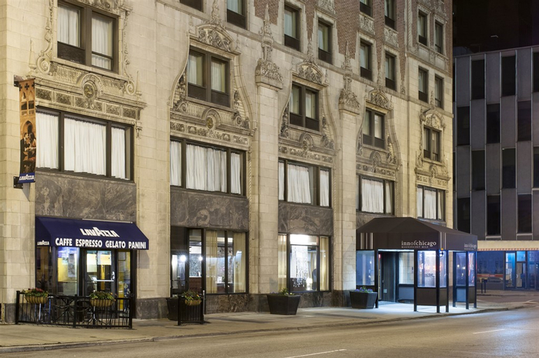 Inn of Chicago Magnificent Mile, Cook
