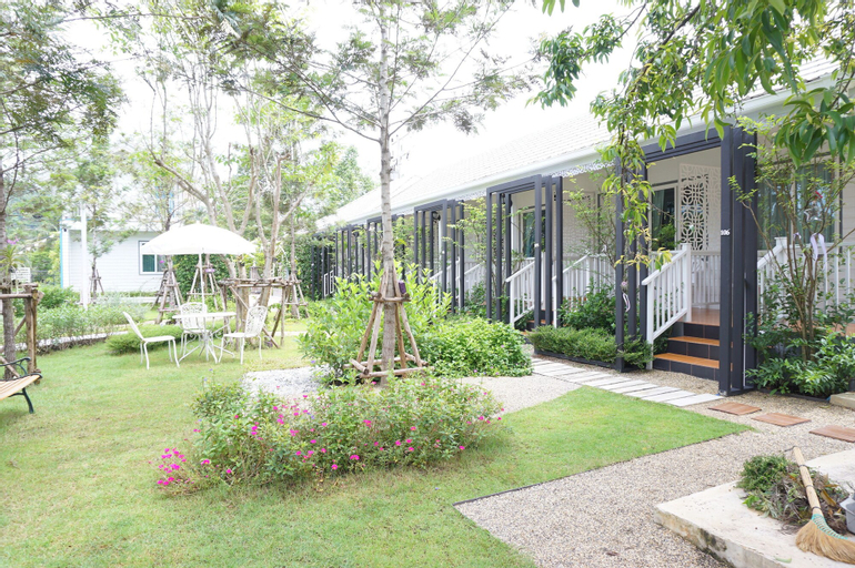The White Village Ranong Resort, Muang Ranong