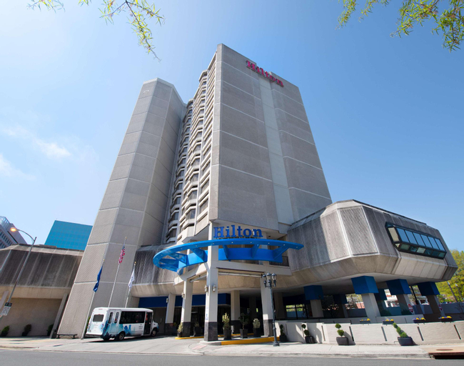 Hilton Crystal City at Ronald Reagan National Airport Hotel, Arlington