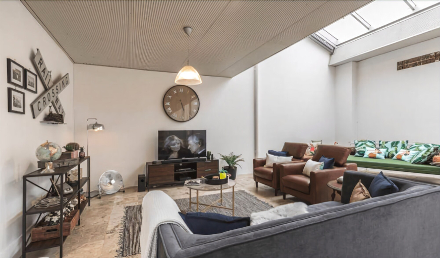 Quirky Warehouse 2 Bedrooms with Parking, Leichhardt