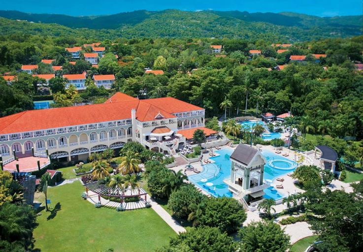Sandals Ochi Beach Resort,