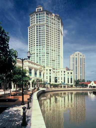 Grand Copthorne Waterfront Hotel, Singapore River