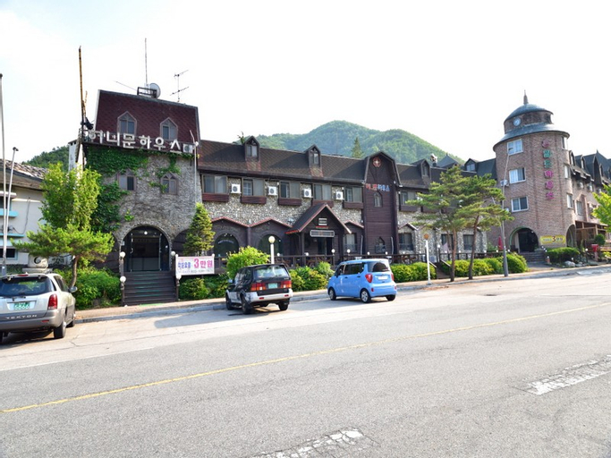 Honeymoon House, Sokcho