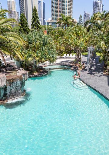 Alpha Sovereign Hotel, Surfers Paradise