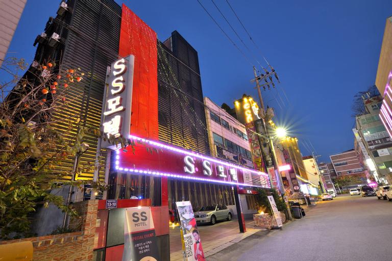 SS Motel, Seo