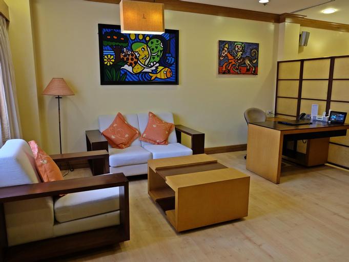 Hollywood Suites, Lapu-Lapu City