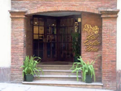 Carlton House, Santiago