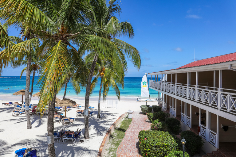 Pineapple Beach Club,