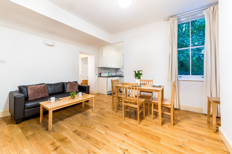Comfortable Liverpool Street Home by Shoreditch, London