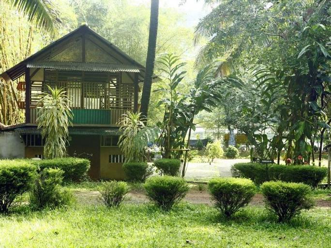Soma Birds Lagoon Resort, Ernakulam