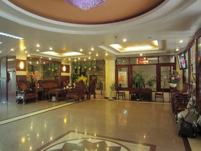 Hung Thanh Hotel, Tân Bình