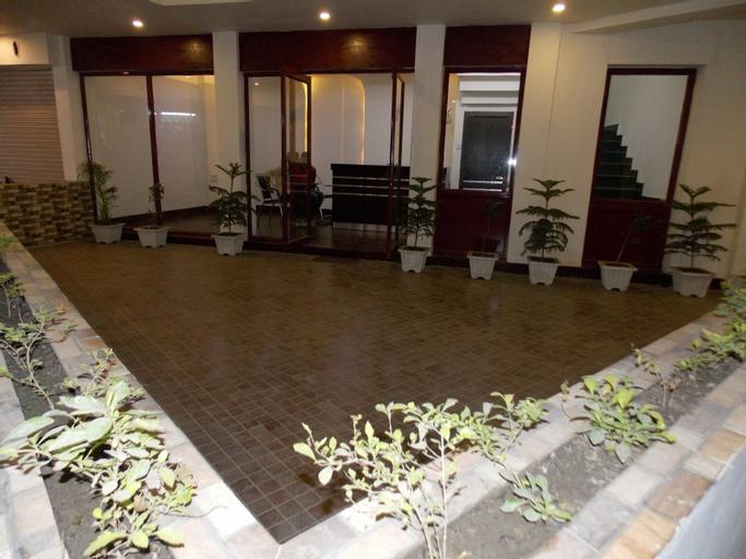 Nutan Hotel, Balrampur