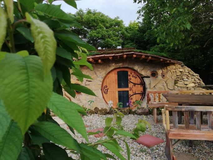 Hobbit Ház, Pilisvörösvár