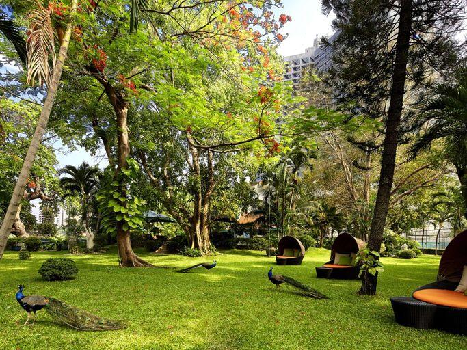 Royal Orchid Sheraton Hotel & Towers, Khlong San