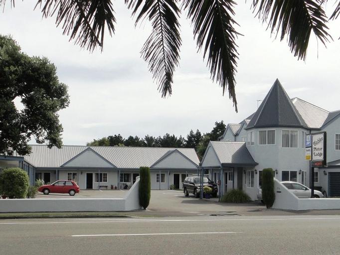Gables Motor Lodge, Grey