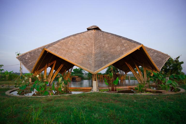 Hanchey Bamboo Resort, Stueng Trang