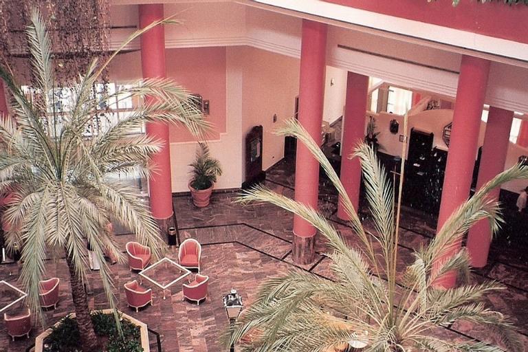 Hesperia Isla Margarita, Gómez
