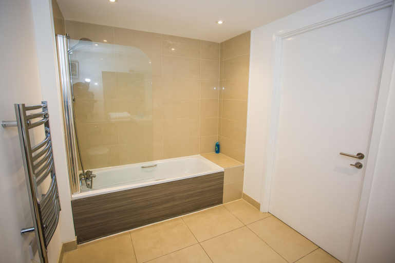 Luxury 2 bed Apartment, London
