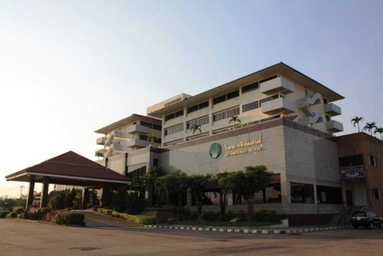 J. P. Emerald, Amphoe Muang Yasothon