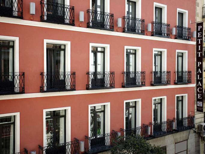 Petit Palace Tres Cruces, Madrid