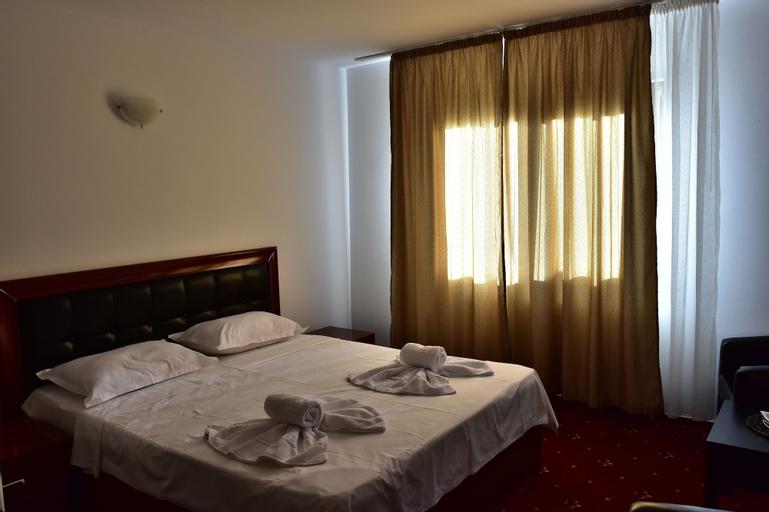 Hotel Ostrov, Calimanesti