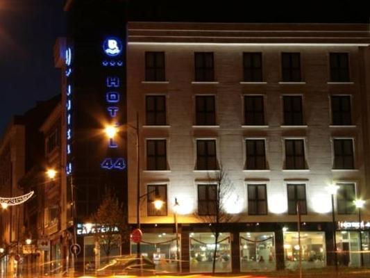 Hotel 44, Asturias