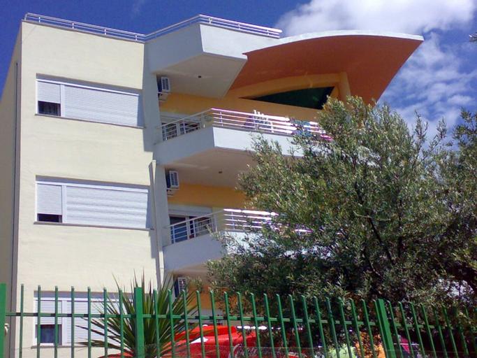Villa Bregdet, Vlorës