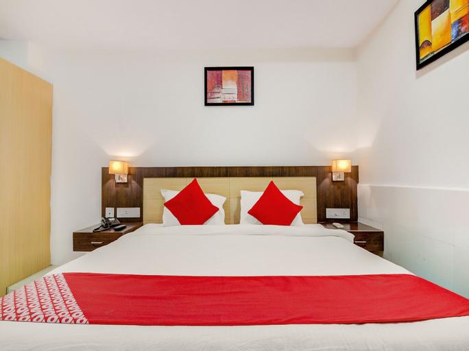 OYO 6383 Hotel Leela Grand Inn, Krishna