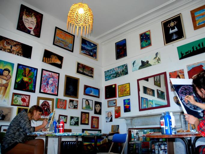 ChillaWhile Backpackers Art Gallery, Waitaki