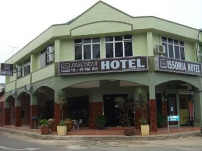 Issoria Hotel, Maran