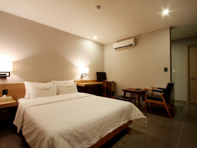 Bando Tourist Hotel, Gyeyang