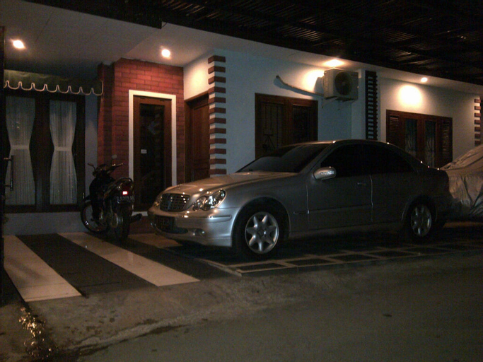 Rumah Kos Tebet Barat House, Jakarta Selatan