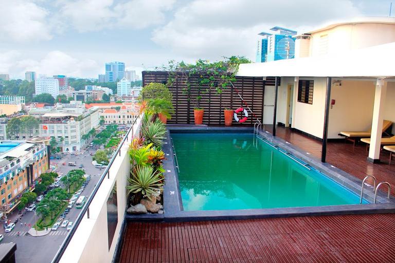 Palace Hotel Saigon, Quận 1