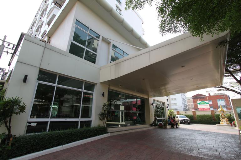 The Royal Bee Aparthotel Don Mueang International Airport, Bang Khen