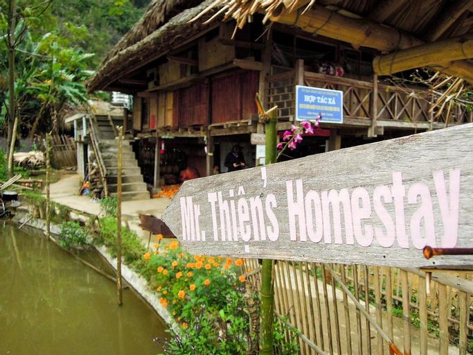 Thon Tha Tay Stilt House, Vị Xuyên