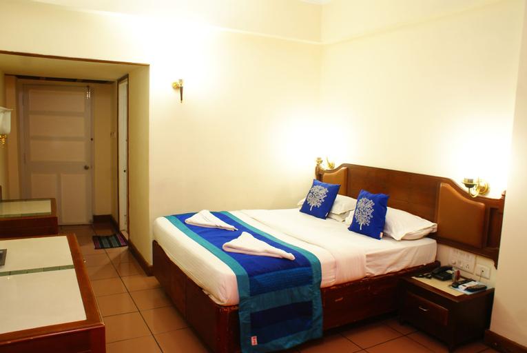 OYO 4002 Hotel Dwaraka, Ernakulam