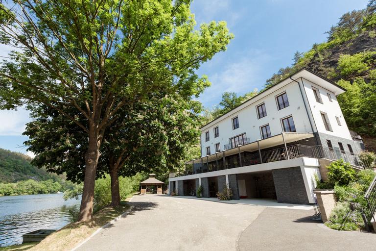 Hotel Mandat, Praha - západ