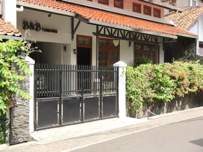 Bed and Breakfast Tomang, West Jakarta