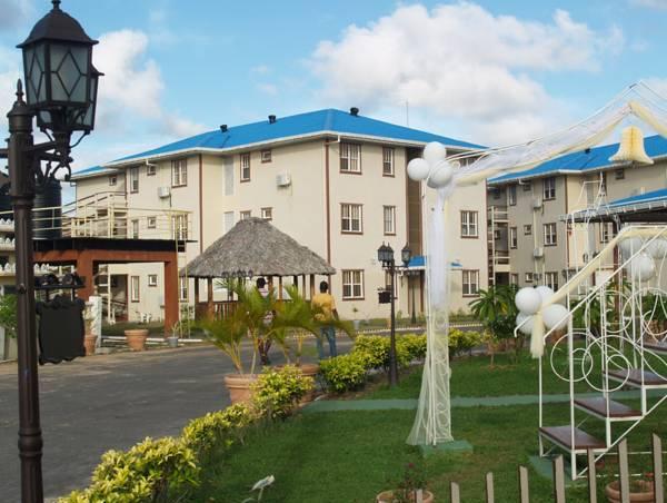 Aracari Resort, Meer Zorgen / Malgre Tout