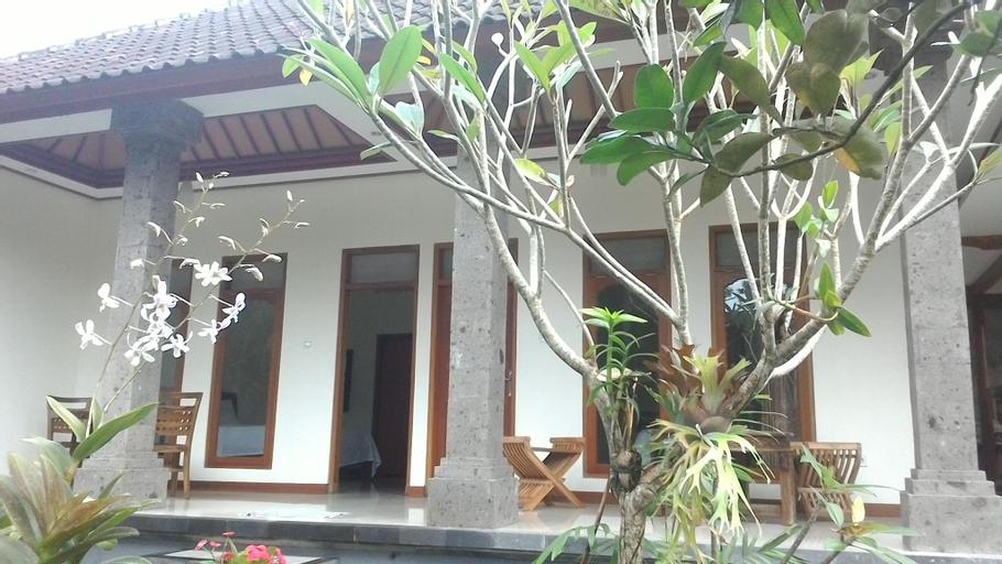 Dayu Alit Budakeling, Karangasem